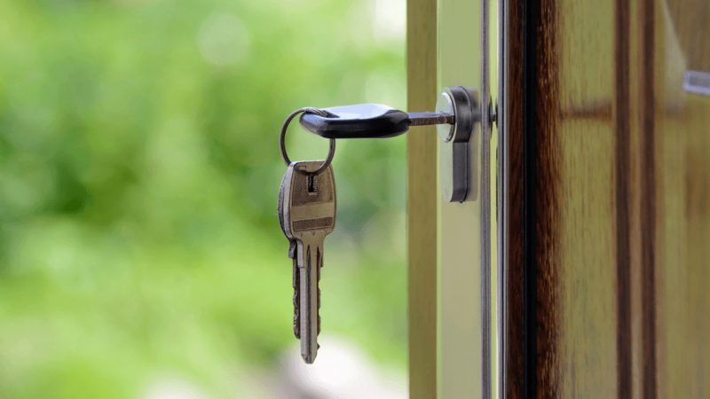 What is the requirement oflooking for Professional Locksmith Services?