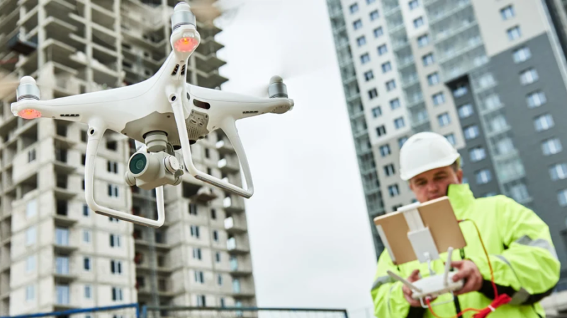 4 Ways Technology Is Making Construction Sites Safer & More Efficient