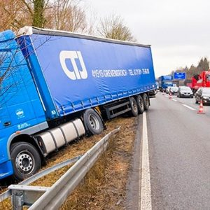 Victims Of Truck Accident: Know These Facts For Better Claim