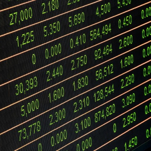 Is Copy Trading and Algorithm Financial Trading a Good Way to Earn Passive Income?