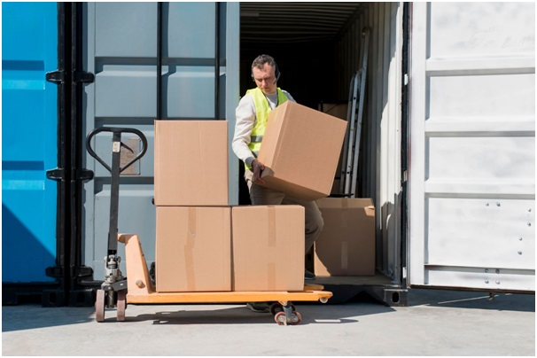Logistics Companies & Freight Forwarder Companies : The Key Difference